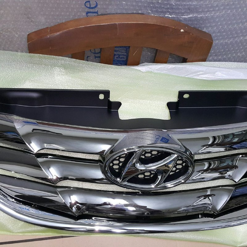Hyundai-Sonata-YF-Grille-front